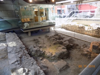 There's a cool archaeological dig site in the center of the city